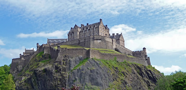Catswhiskers Tours, private tours for small groups and individuals with a private tour guide.  Tours available in England, Scotland and Ireland.  Themed tours and personalized itineraries